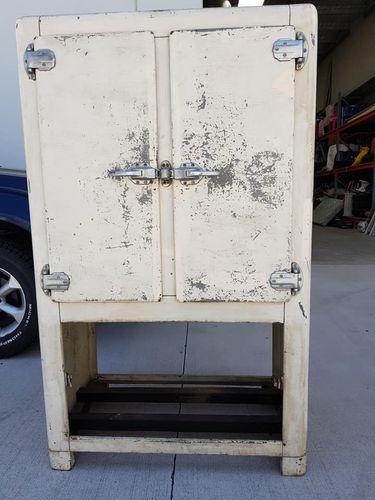 the old fridge