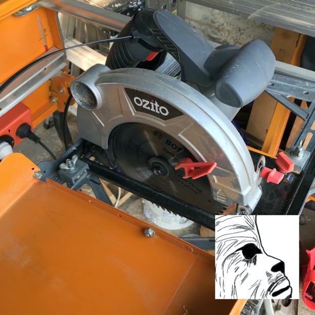 Ozito installed and in cross cut mode