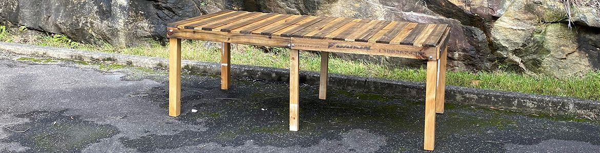 DIY Pallet Table.jpg