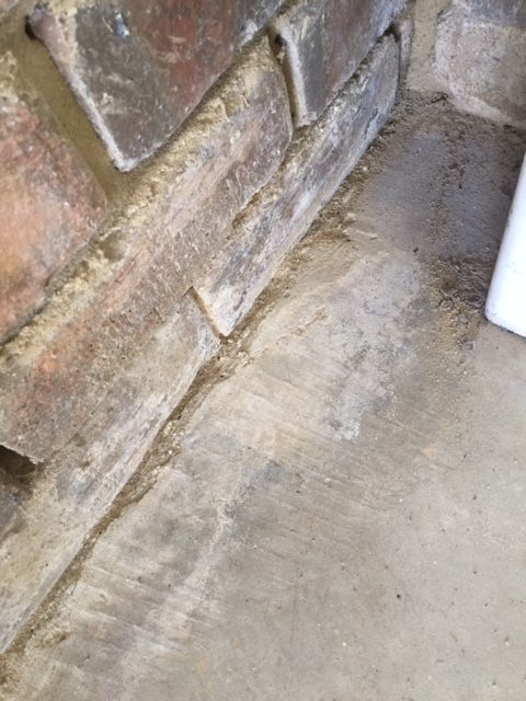 shows where mortar/sand is leaking