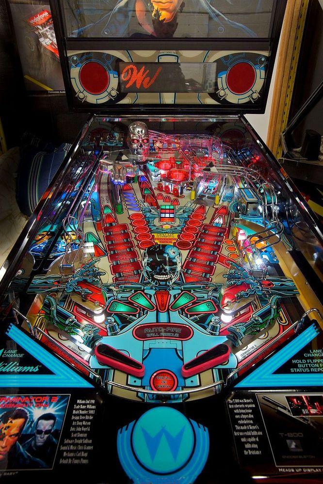 Terminator-Pinball-machine.jpg