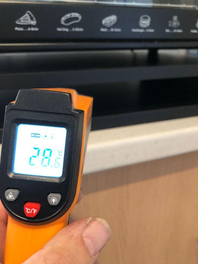 Temperature reading inside stand, 28C deg