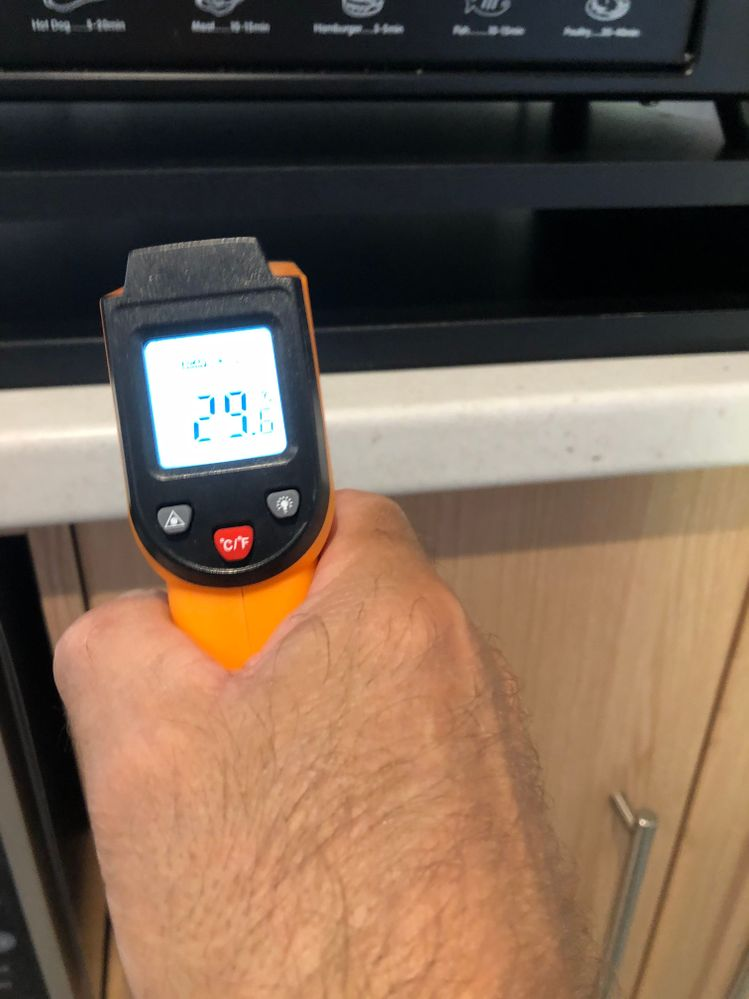 Temperature reading between oven and air gap of stand, 29 deg C