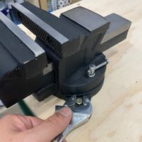8.1 Bolt vice to worktop.JPG