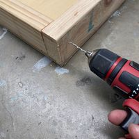 Step 2.1 Drill before screwing together.jpg