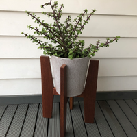 8.2 Completed plant stand.png