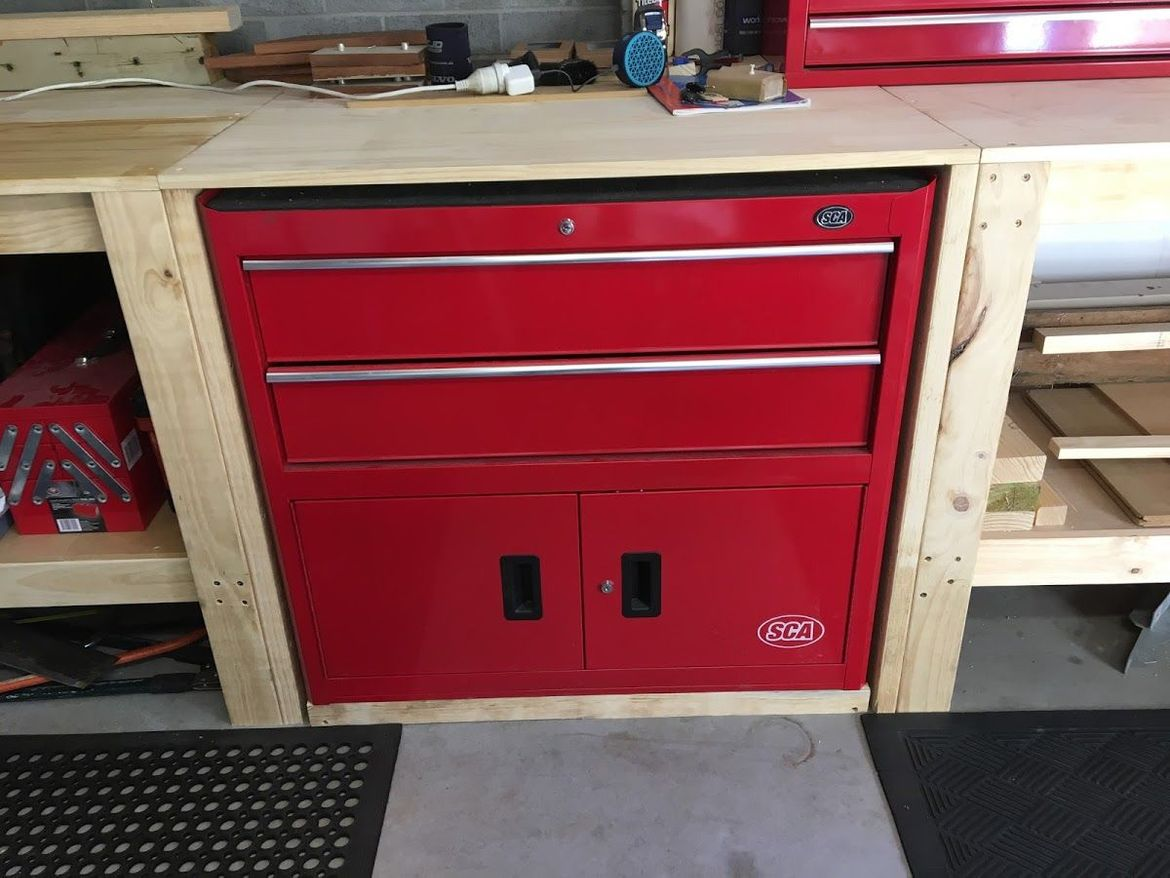 built-in toolbox on workbench.jpeg