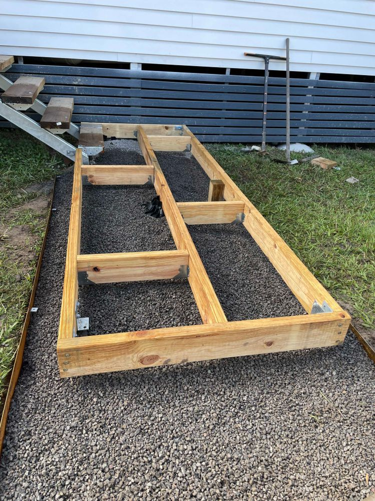Framing finished. For the main supports I used stirrups in concrete. For the secondary I used Tuff Blocks as the gravel gave a perfect base.