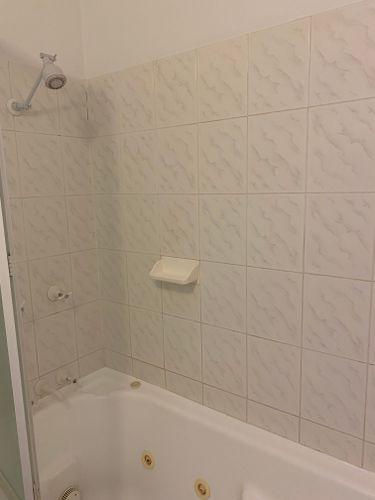 Bath 1 Before.jpg