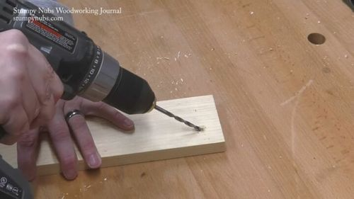 drill-a-pocket-hole.1.jpg