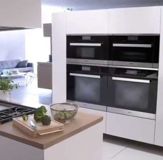 Miele-Wall-Ovens-in-the-Kitchen-555x547.jpg