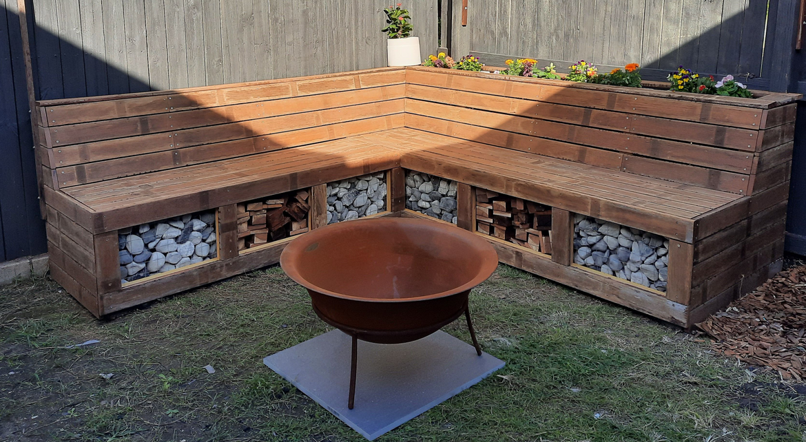 fire pit bench.png