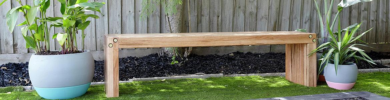 garden bench.png