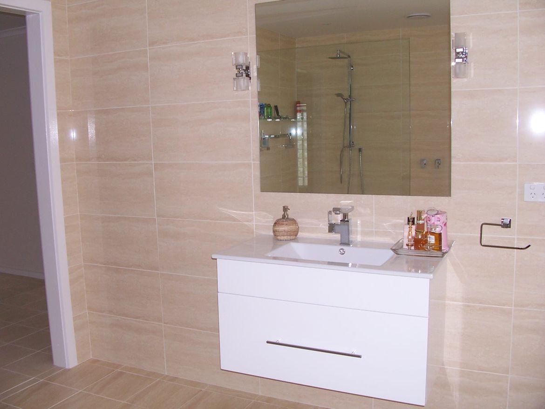 Main Bathroom Vanity.JPG