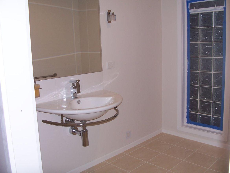 Toilet Handbasin.JPG