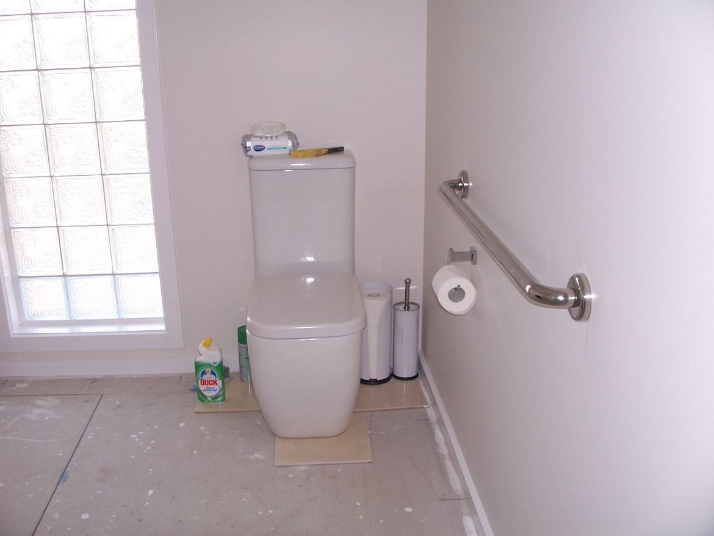 Toilet - hand rail.JPG