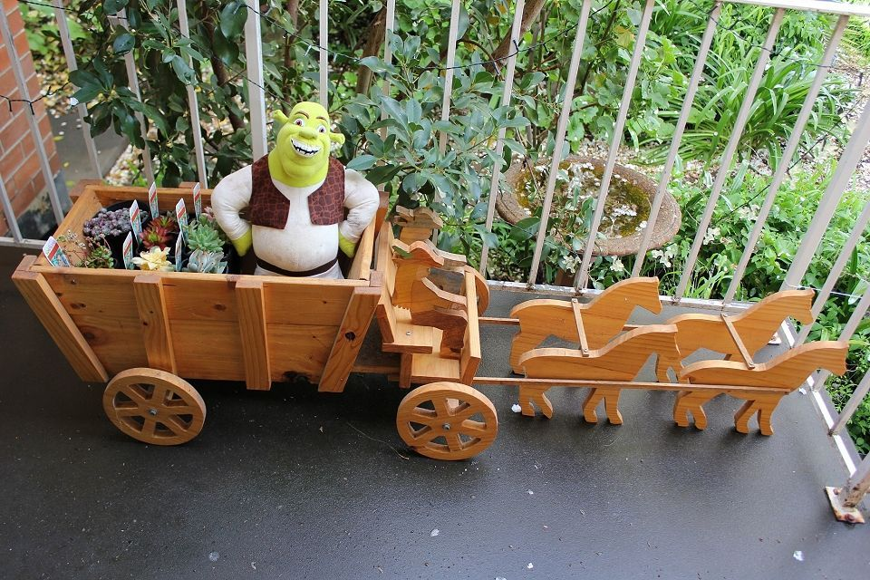 Just working out how to add captions, is it Shrek, or is it Hoss Cartwrightwith a horse and cart?