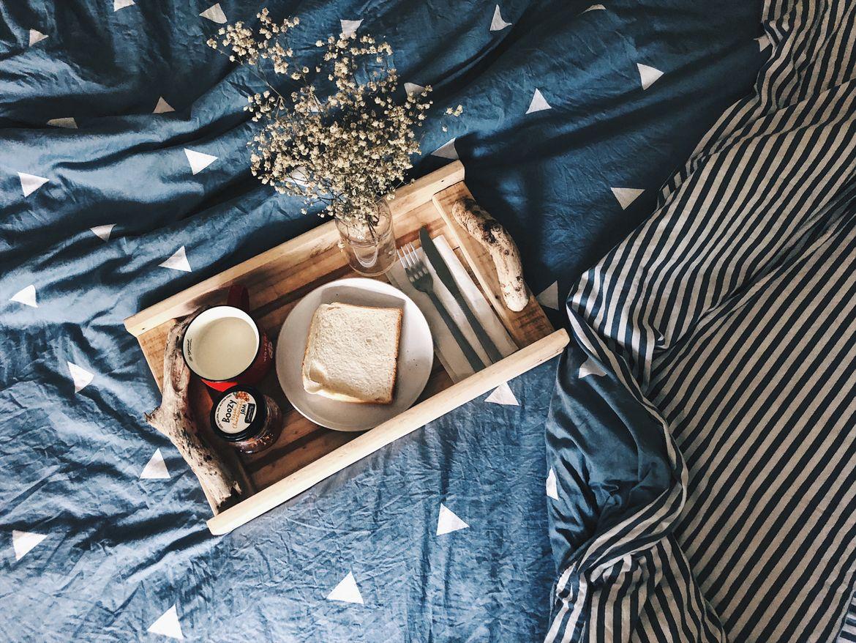 D A L L A S , Breakfast Tray