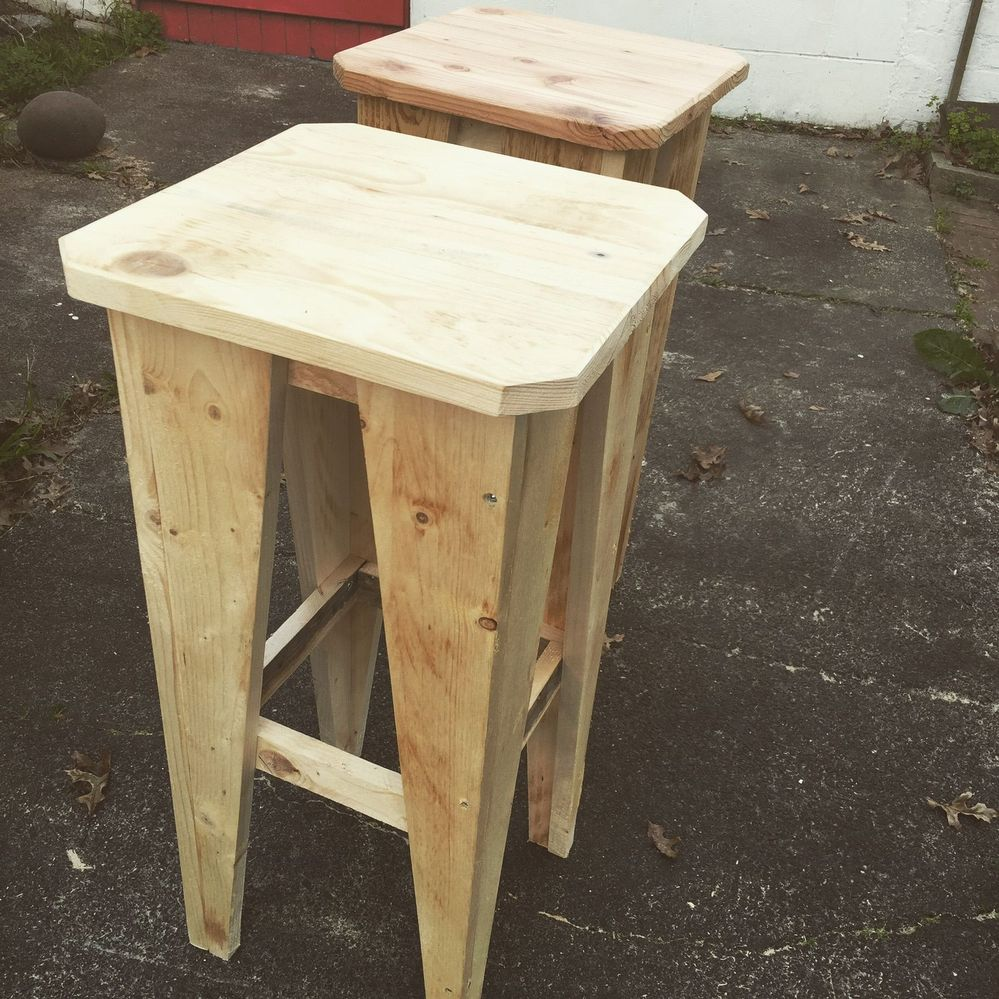 Recycled Pallet Bar Stools