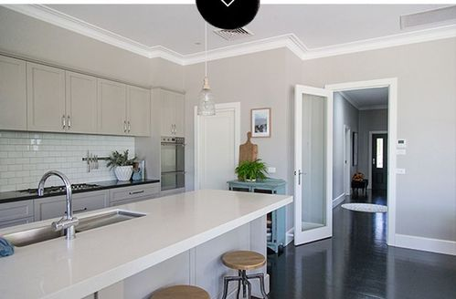 08-Kitchen-in-Luke-and-Mikahl-Tierneys-Australian-Weatherboard-House-DesignSponge.jpg