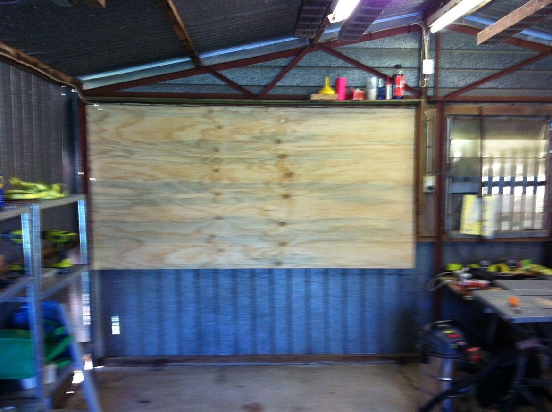 Blank tool wall