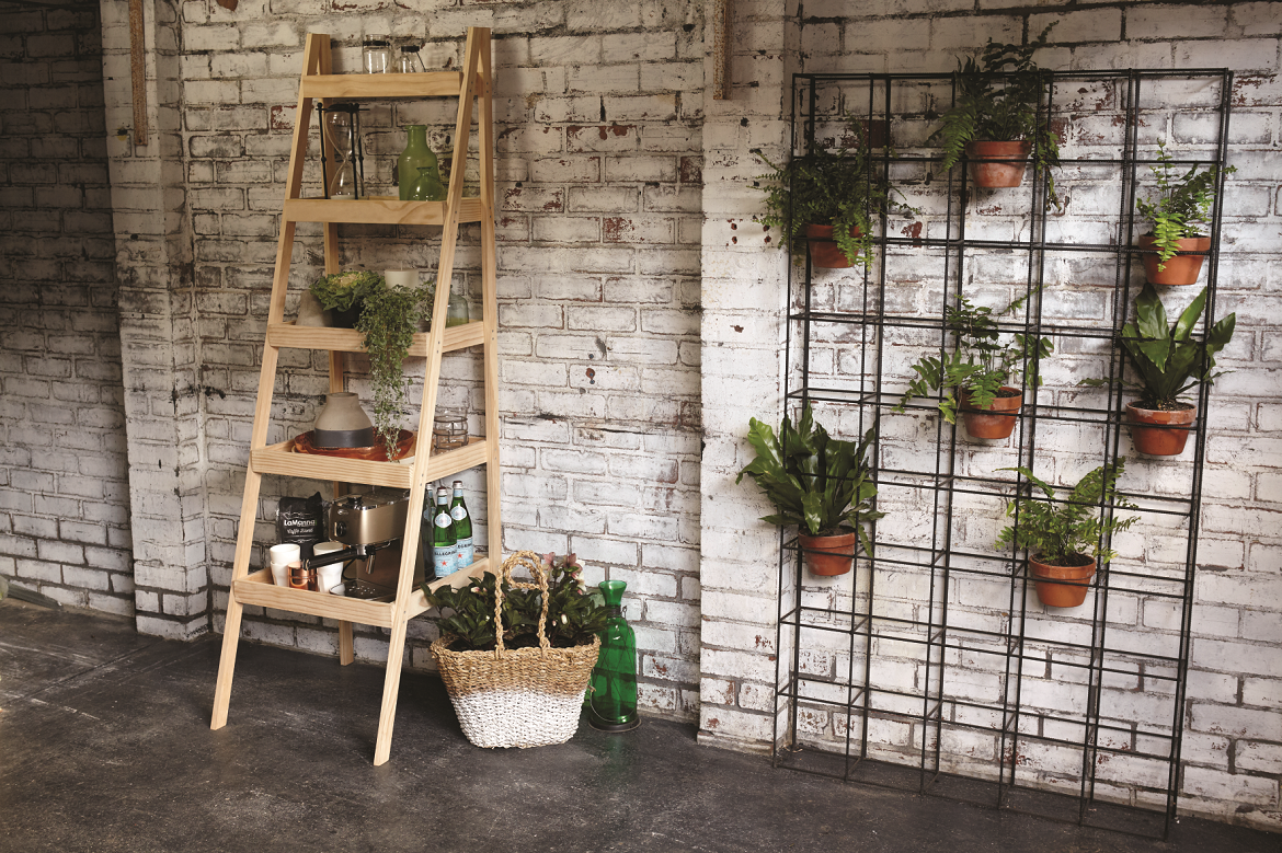 Wooden storage rack: A little more storage space always comes in handy