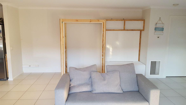 Independent frame for office assembled