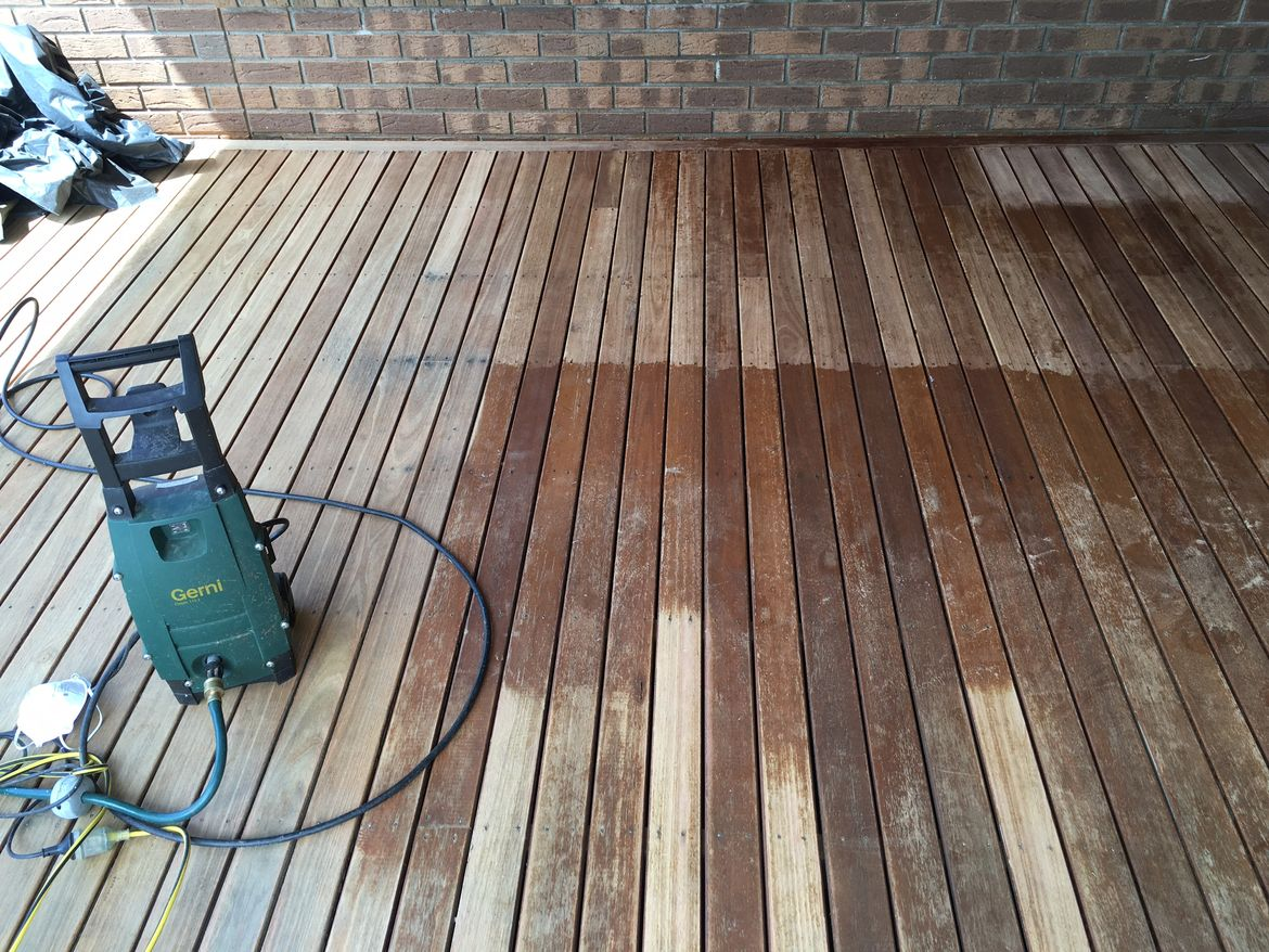 Ocean grove deck 2 - pressure spray.JPG