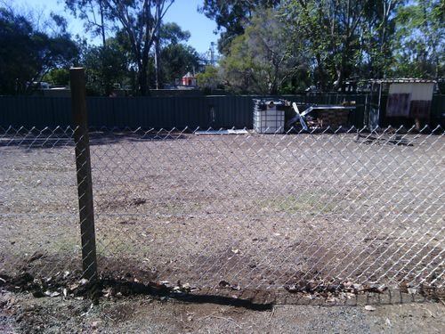New  Fence at back of yard. runs a straight line 25 metres.