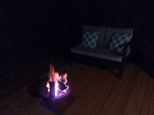 Firepit on the back deck for pizza & drinks