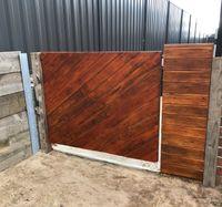 Tara86's pallet wood gate