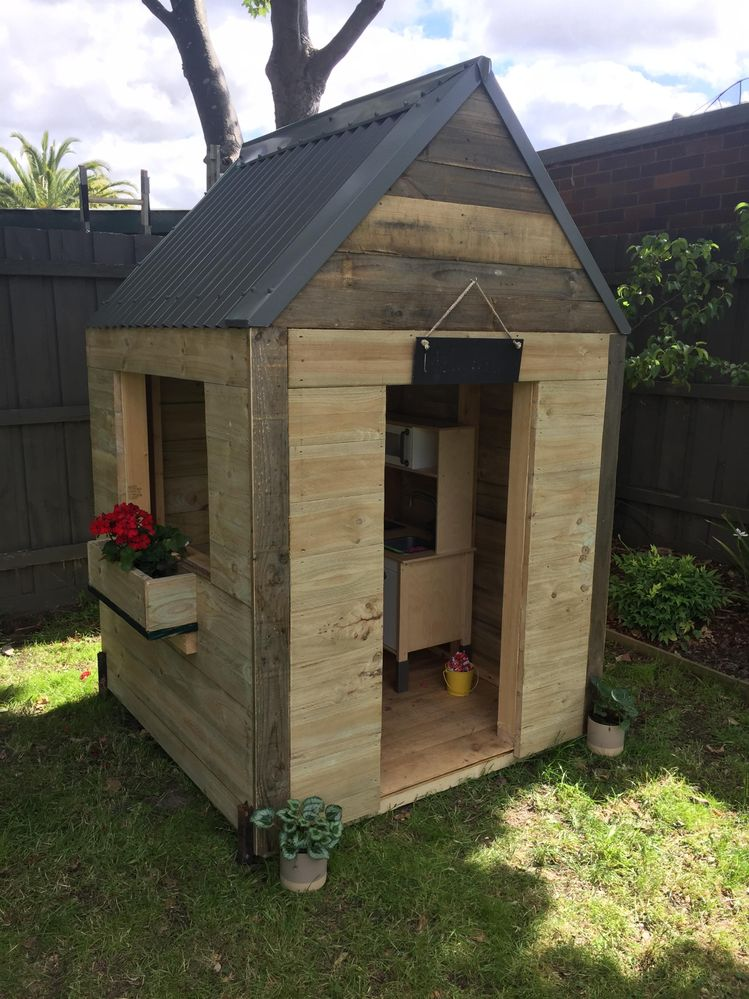 Kids Play House made from recycled materials