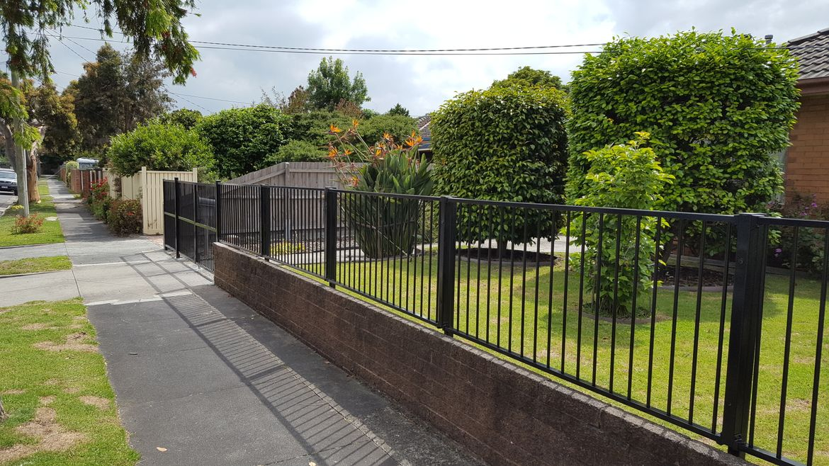 Tubular fence extension and double gate