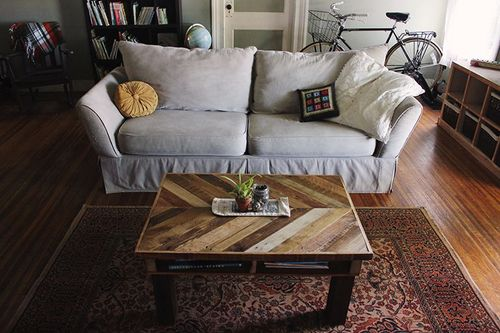 DIY-Pallet-Wood-Coffee-Table-The-Merrythought.jpg
