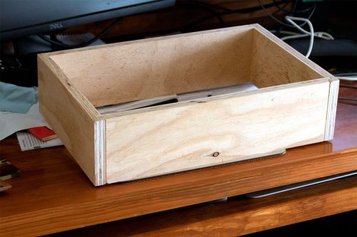 Box frame with tongue and dado joinery
