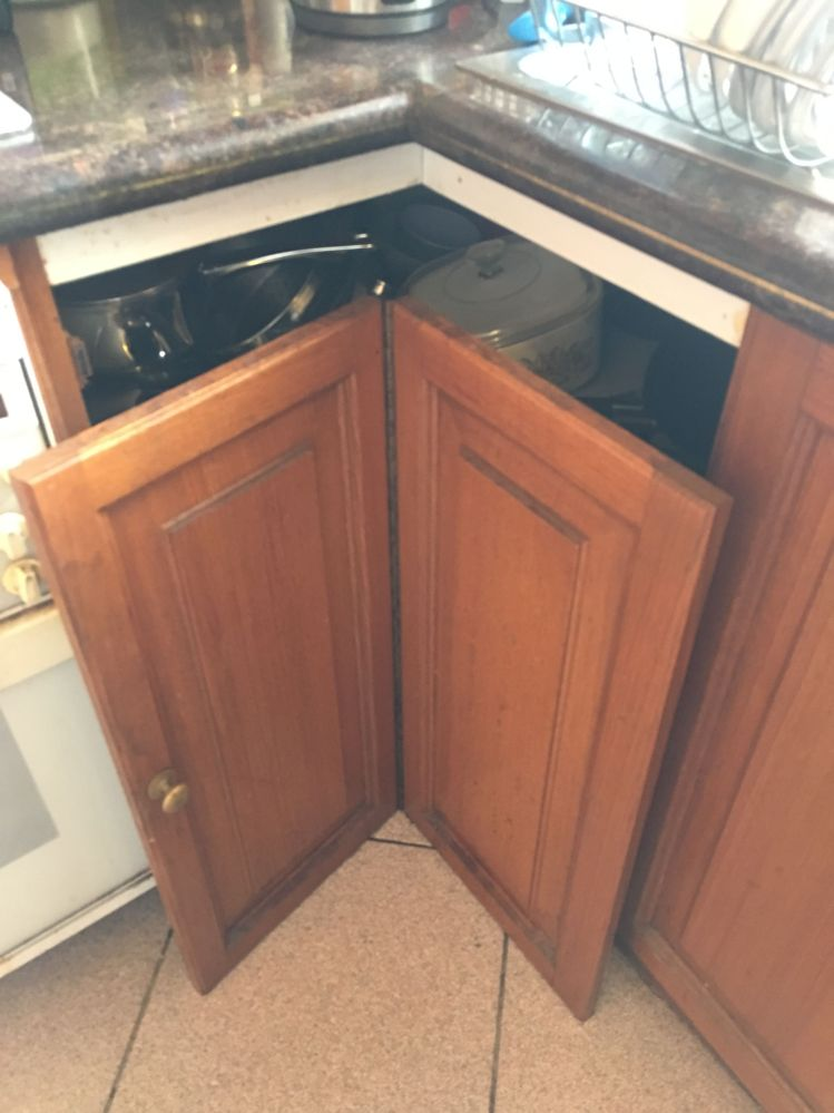 Corner cupboard door I'm trying to fix