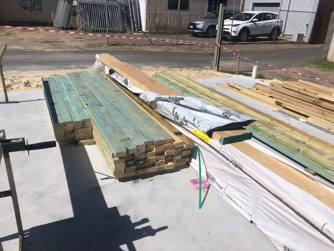 Bunnings timber arrives and studs are cut