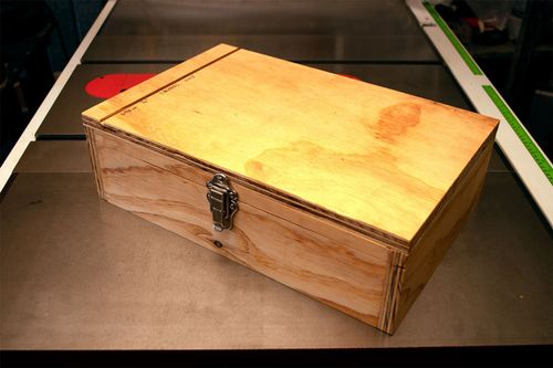 Box shut and showing the first reference dado sawn across the lid.
