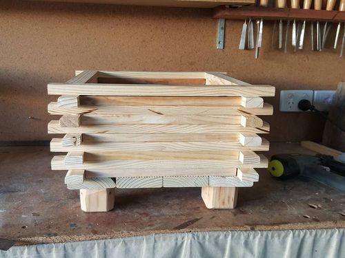 wooden planter (14).jpg