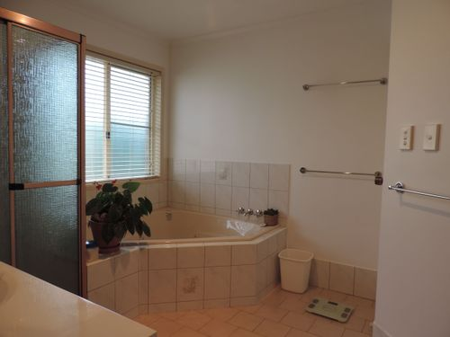 the corner spa bath
