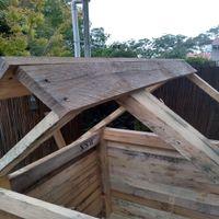 9.1 Begin laying roof boards..jpg