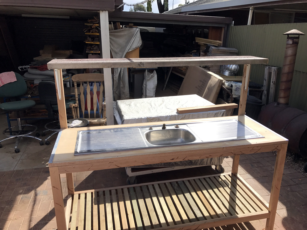 Potting Bench 8.jpg