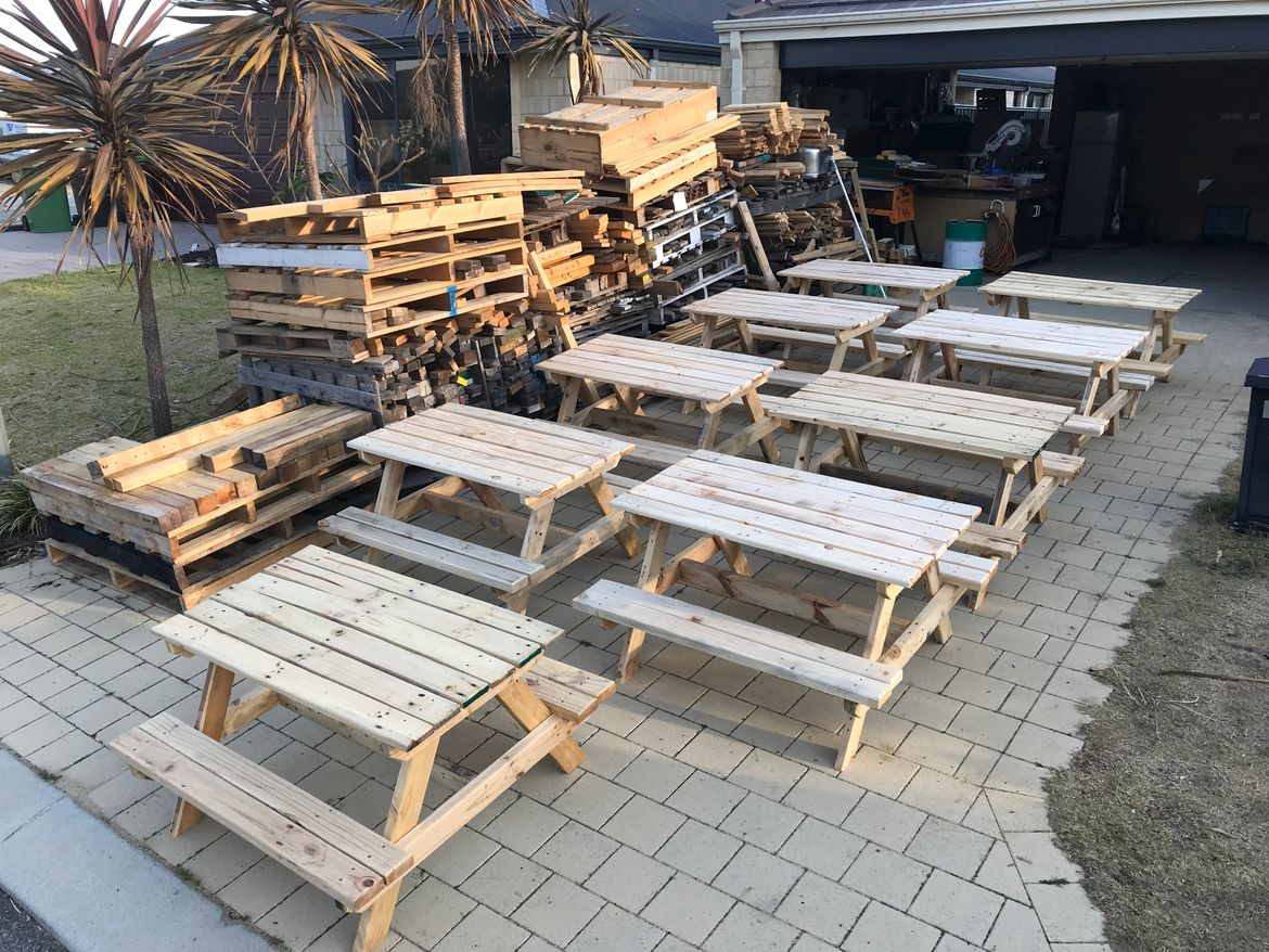 Picnic Tables Built Completely From Scratch Yesterday 100 Pallet Wood Thatspalletable