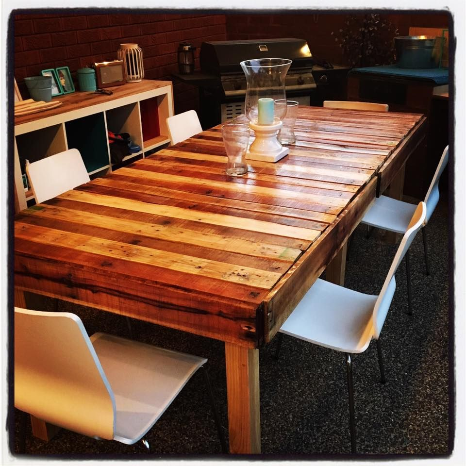 DIY Table Made From Four Pallets