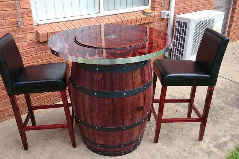 Wine barrel Table (2).jpg