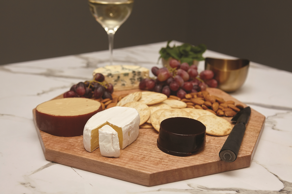 Wooden_Cheese_Board.png
