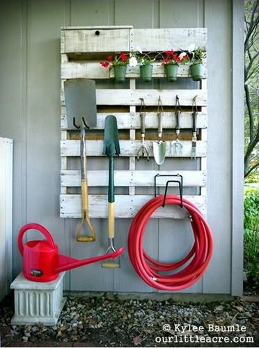 pallet-garden-shelf-2.jpg