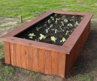 Bed from Recycled Pallets by nolifemanual.jpg